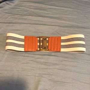 Accessories - NWOT Dress Belt